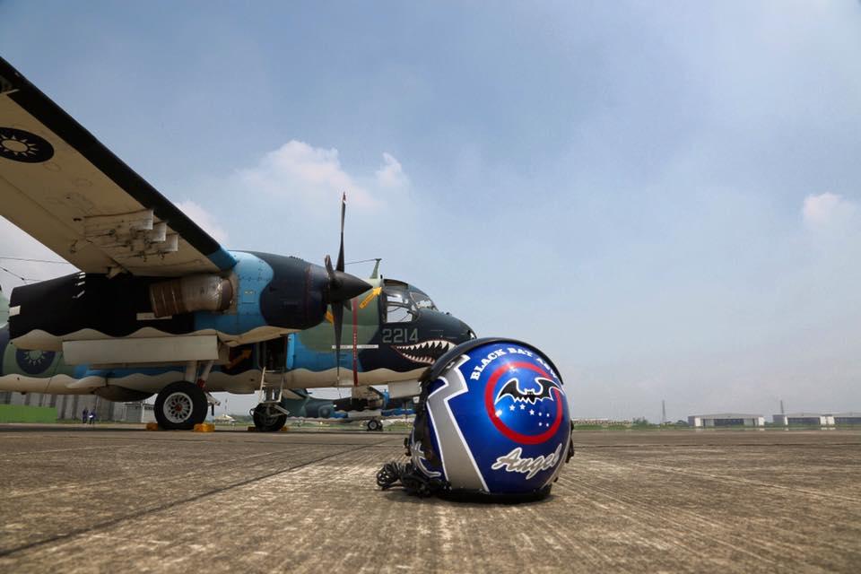 S-2T型反潛機由聯隊長陳少將親自領軍轉交至第499聯隊-4