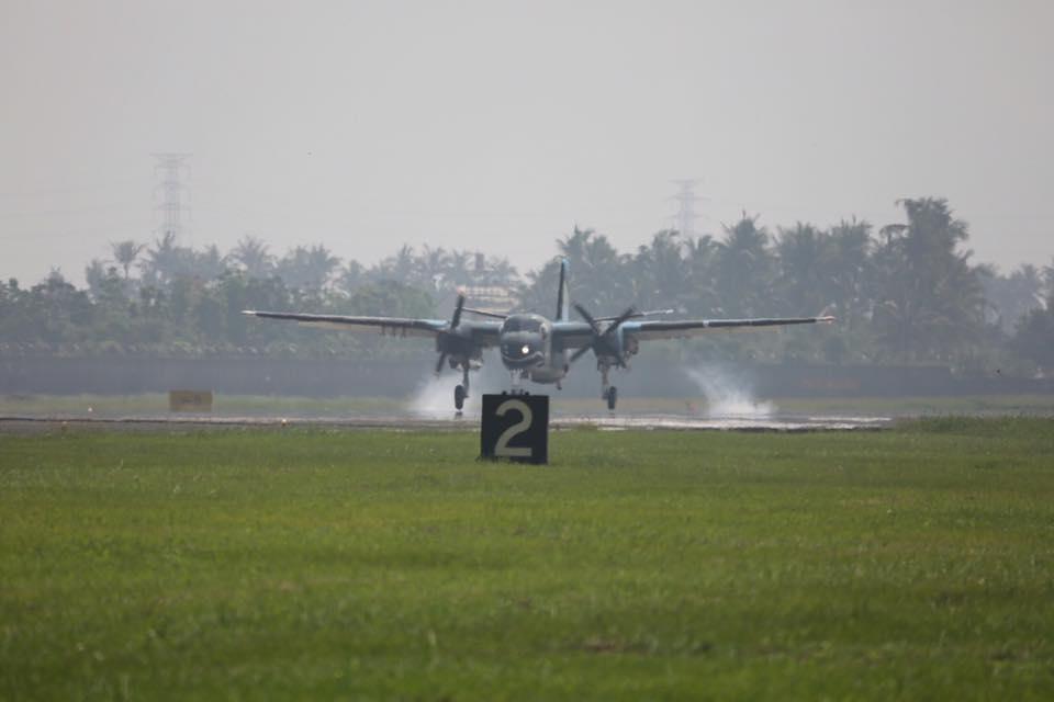 S-2T型反潛機由聯隊長陳少將親自領軍轉交至第499聯隊-5