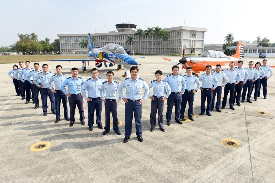 空軍官校舉行飛行訓練指揮部「合約管理科」成立揭牌典禮-2